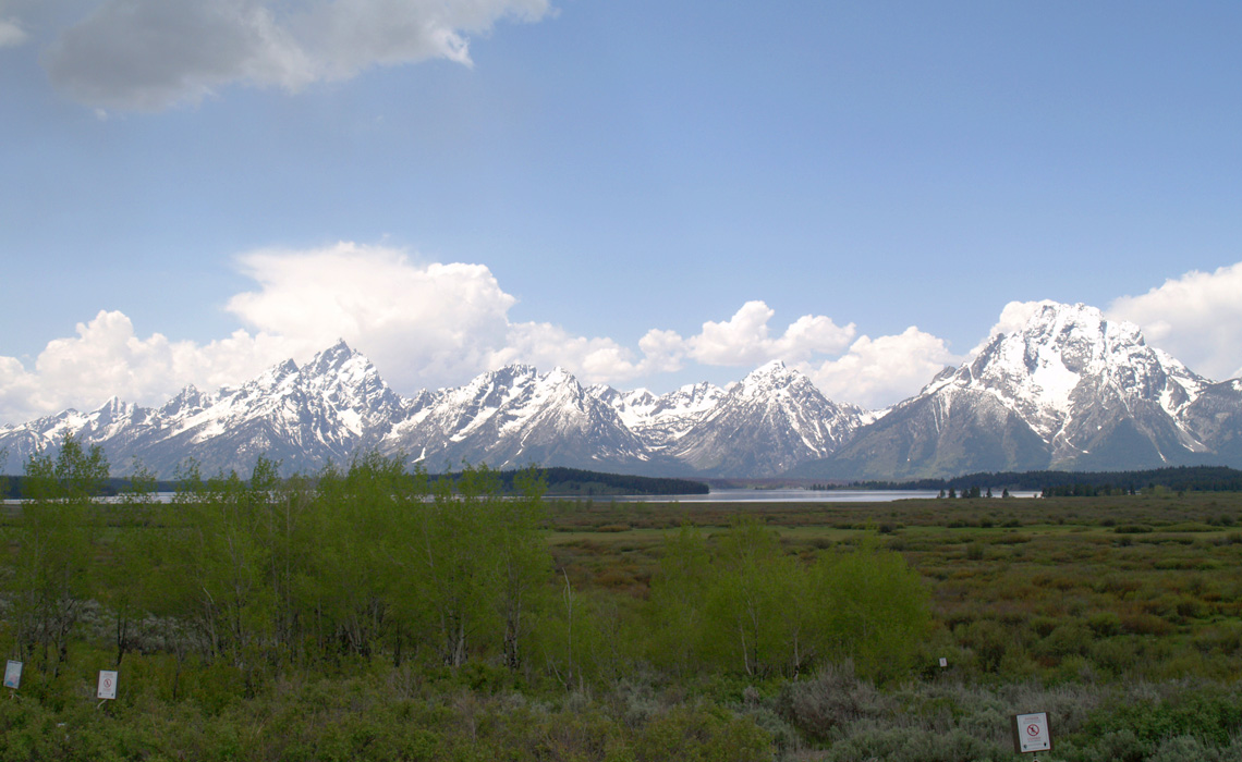 grand-teton-national-park-from-distance
