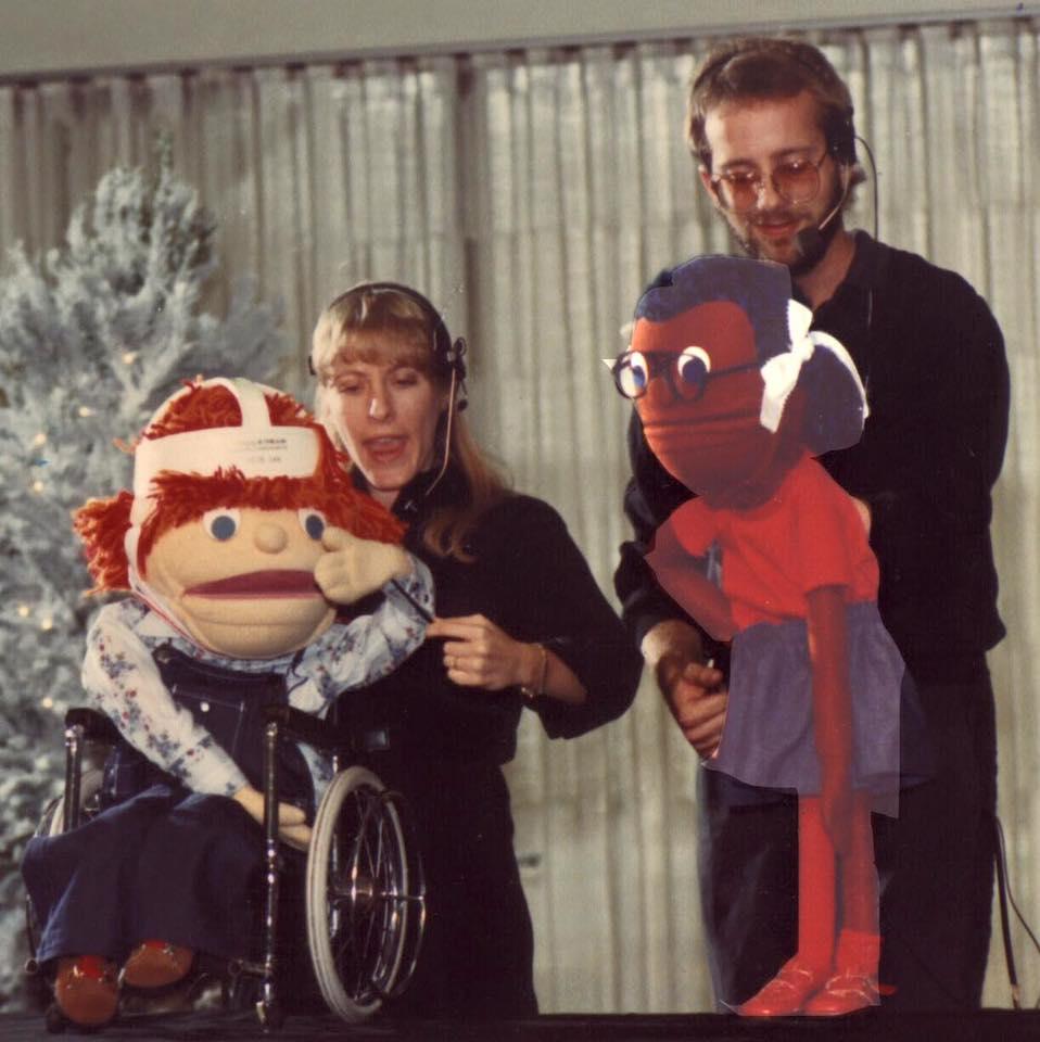 Tracey i en af Michelee's allerførste forestillinger om en handicappet dreng