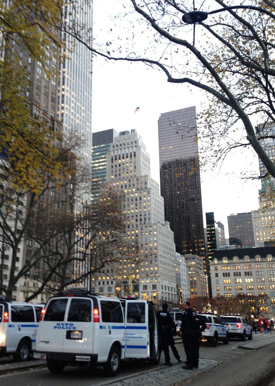 Politi med udsigt til Trump Tower